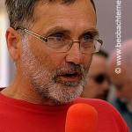 Kreisrat Johannes Müllerschön, vor dem Arbeitsgericht in Heilbronn unterstützen Beschäftigte von H&M und