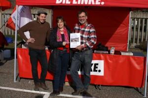 Die Kreistagsfraktion mit MdB Heike Hänsel beim LINKE-Stand auf der Anti-AKW-Demo am 8.3.2015