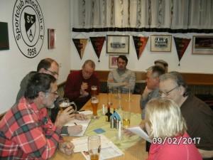Nach der Begehung wurde im Amorbacher Sportheim diskutiert.