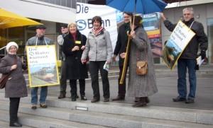Staatssekretärin Splett hatte mit den Aktivisten aus dem Zabergäu keine Berührungsängste.
