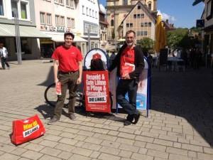 Fliegender Infostand in Neckarsulm mit Kreisrat Johannes Müllerschön und Kreistagskandidat Florian Vollert.