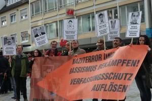 3.11.13: Demonstration zum zweiten Jahrestag des Auffliegens des NSU Terrornetzwerkes auf dem Heilbronner Kiliansplatz. (Bild: Archiv LINKE/HN)