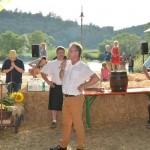 Bürgermeister Michael Folk begrüßte auch Kreisrat, Johannes Müllerschön zum traditionellen Fassanstich.