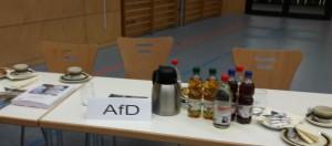 Politikversagen führt zu Politikverdrossenheit. Keiner der drei AfD Kreisräte interessiert sich auf der Klausurtagung des Kreistags am 17.10.16 (Foto: jom)