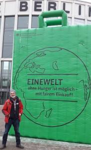 Eingang zur Grünen Woche: Ich sehe die Botschaft (des Landwirtschaftsministeriums), allein mir fehlen Fakten. (jom)