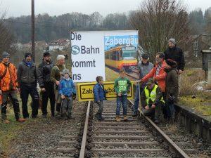 Generationenübergreifdende Unterstützung für die Zabergäubahn.